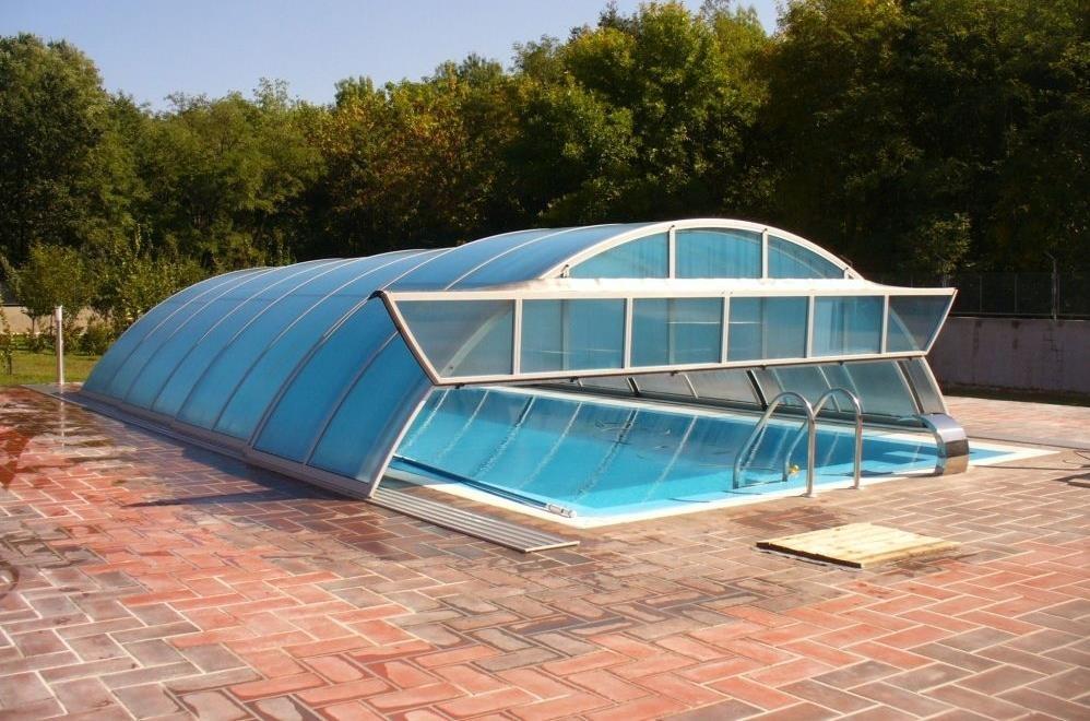 Piscina targu secuiesc for Constructii piscine